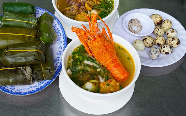 Hoa Mai - Hải Sản & Bánh Canh Càng Ghẹ Tôm Tít ở Huế